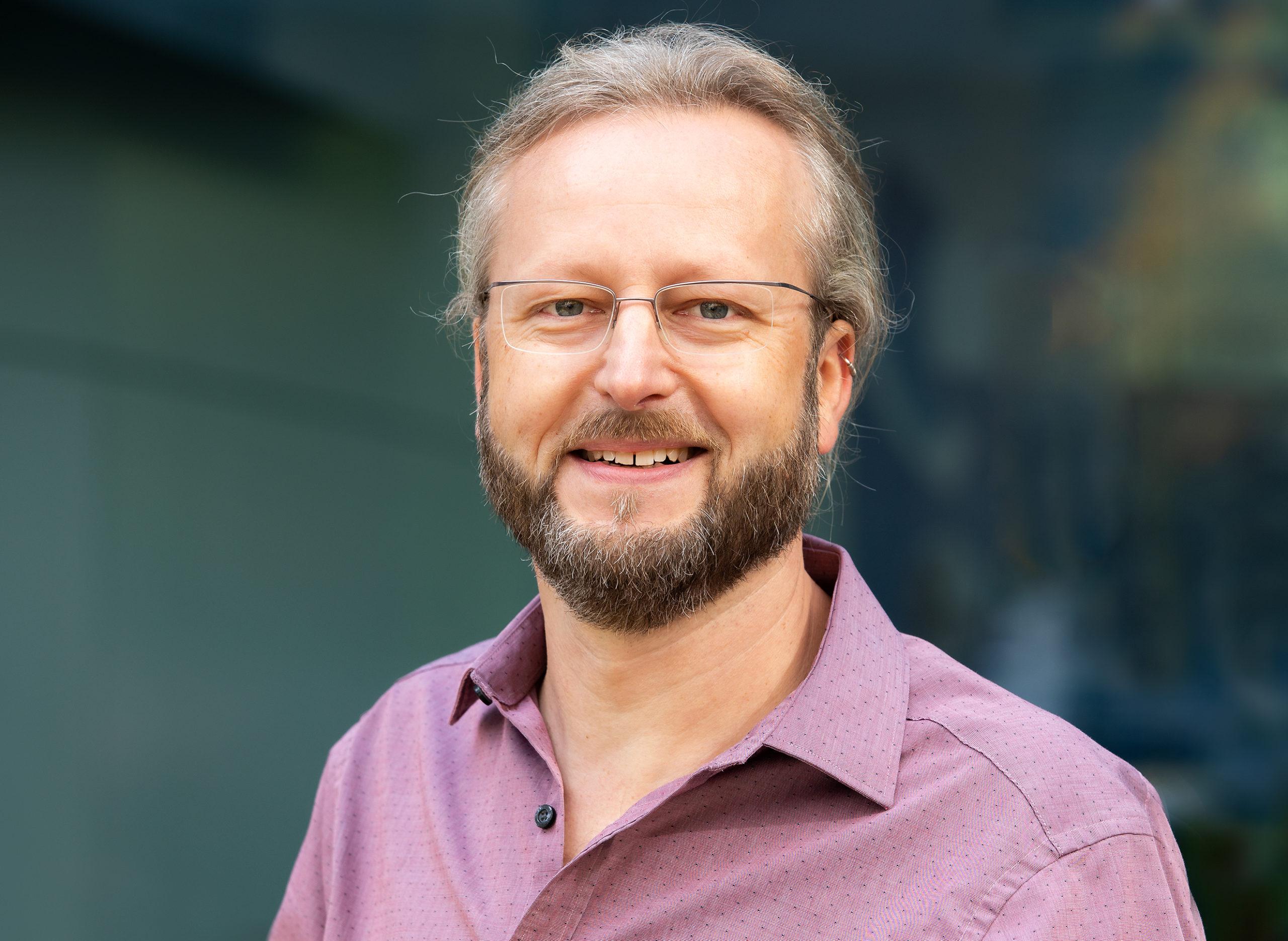 Dr. Björn Rau